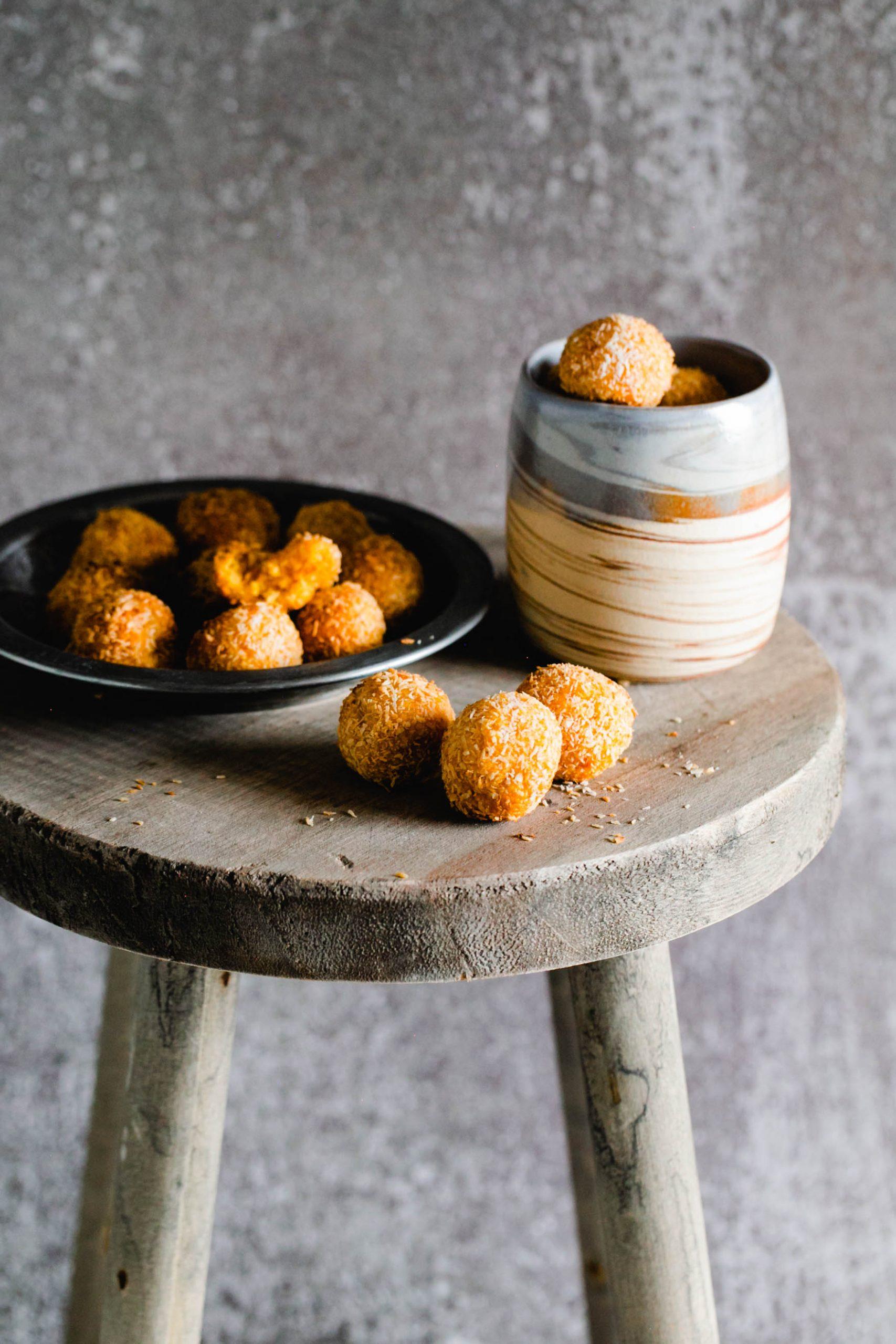 Vegane Aprikosen Energy Balls mit Kokos