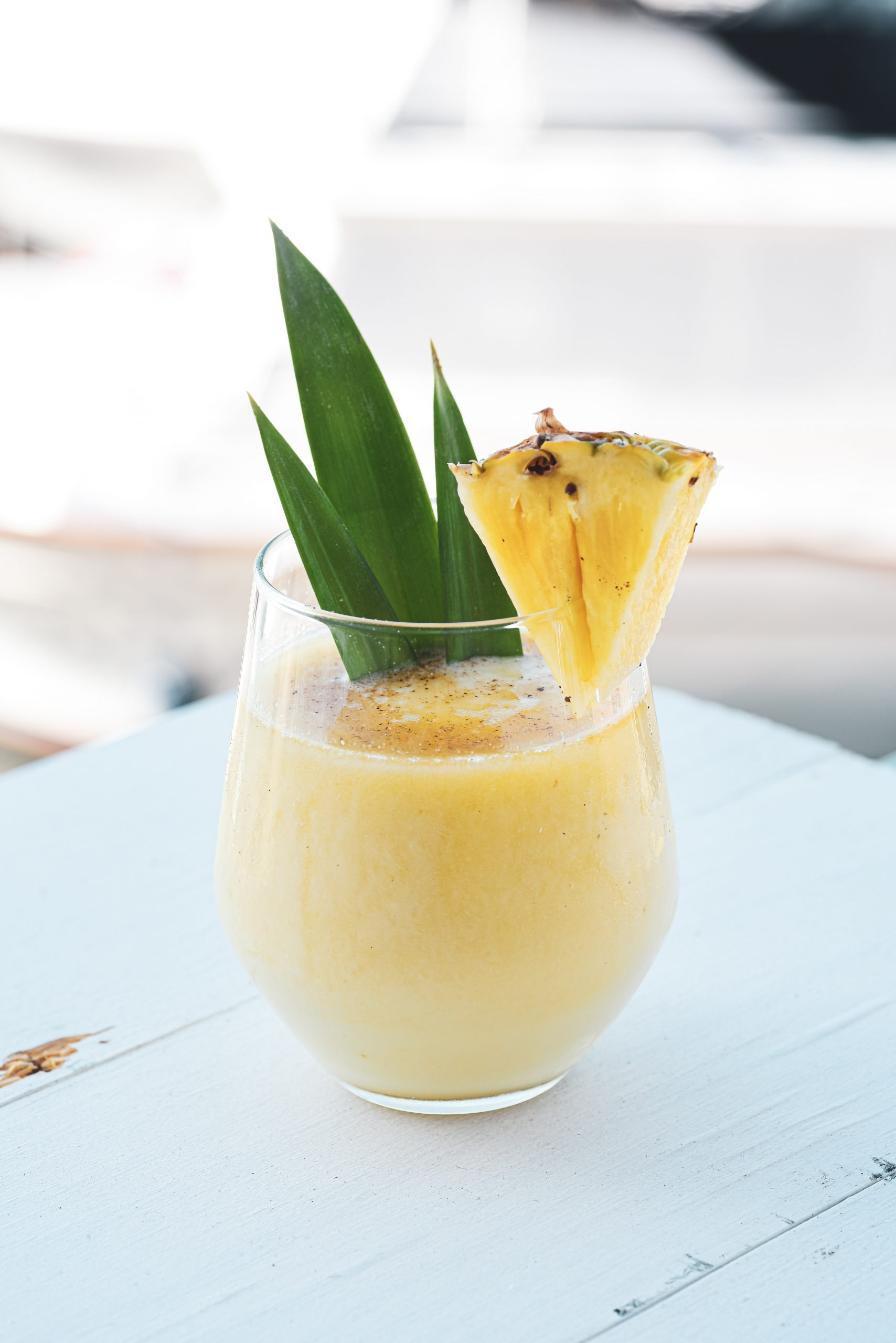 "Ananas Smoothie aus dem Thermomix® - <span>Photo by <a href=""https://unsplash.com/@yesmorecontent?utm_source=unsplash&utm_medium=referral&utm_content=creditCopyText"">YesMore Content</a> on <a href=""https://unsplash.com/s/photos/smoothie?utm_source=unsplash&utm_medium=referral&utm_content=creditCopyText"">Unsplash</a></span>"