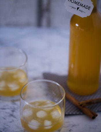 Orangenlikör mit Zimt