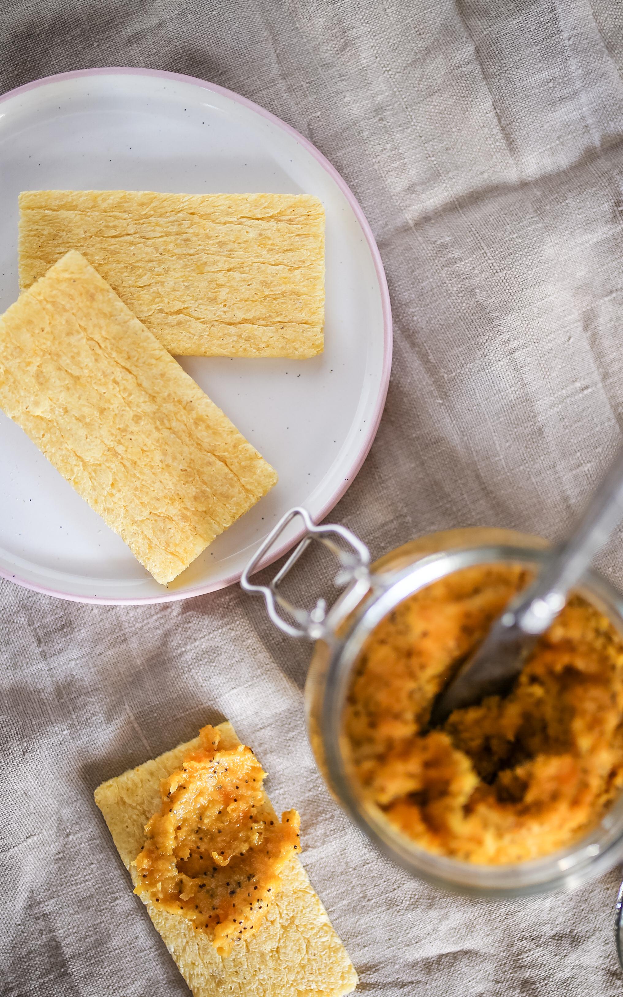 Aprikosenaufstrich mit Mohn und Marzipan