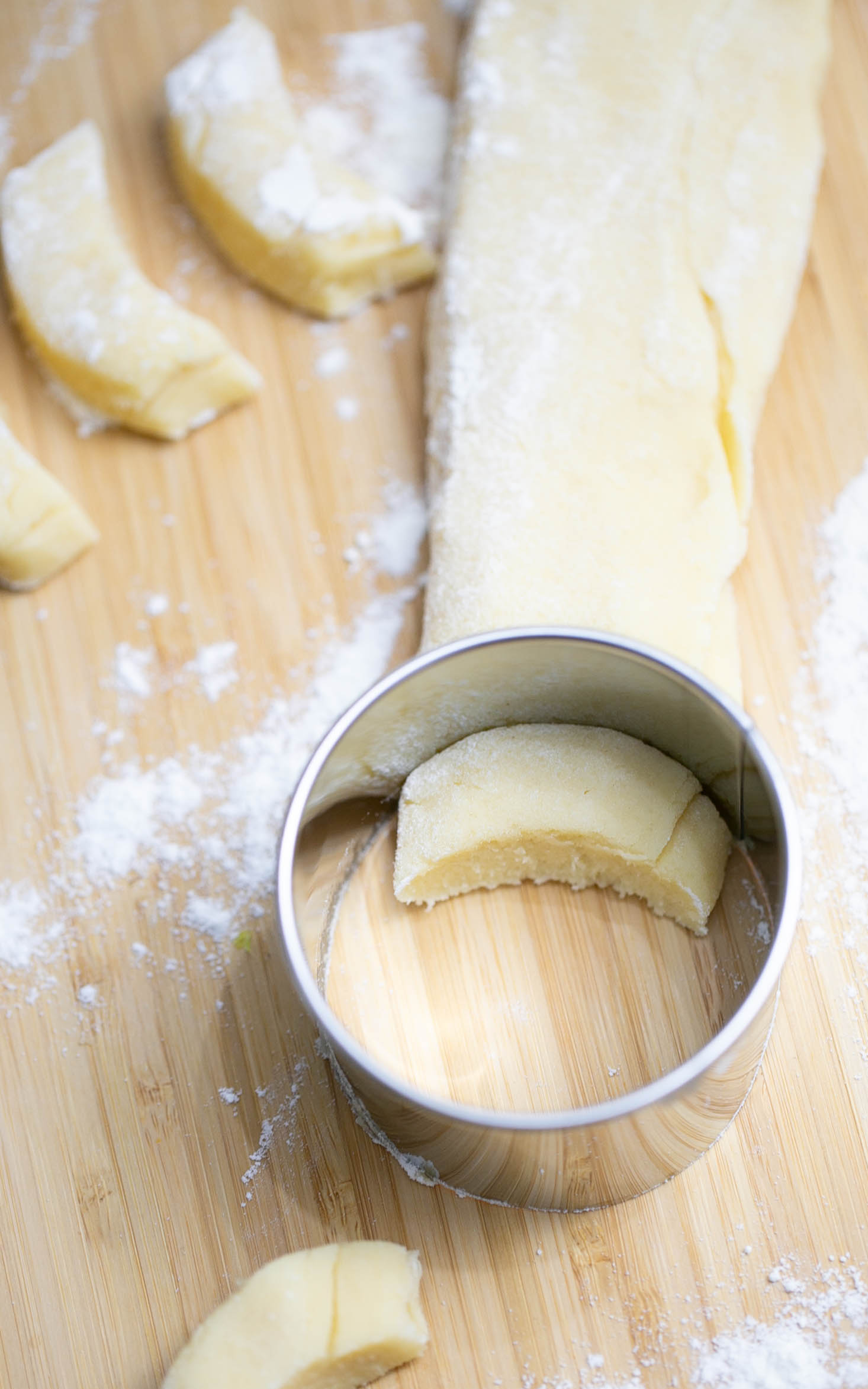 So formst du ganz einfach Vanillekipferl