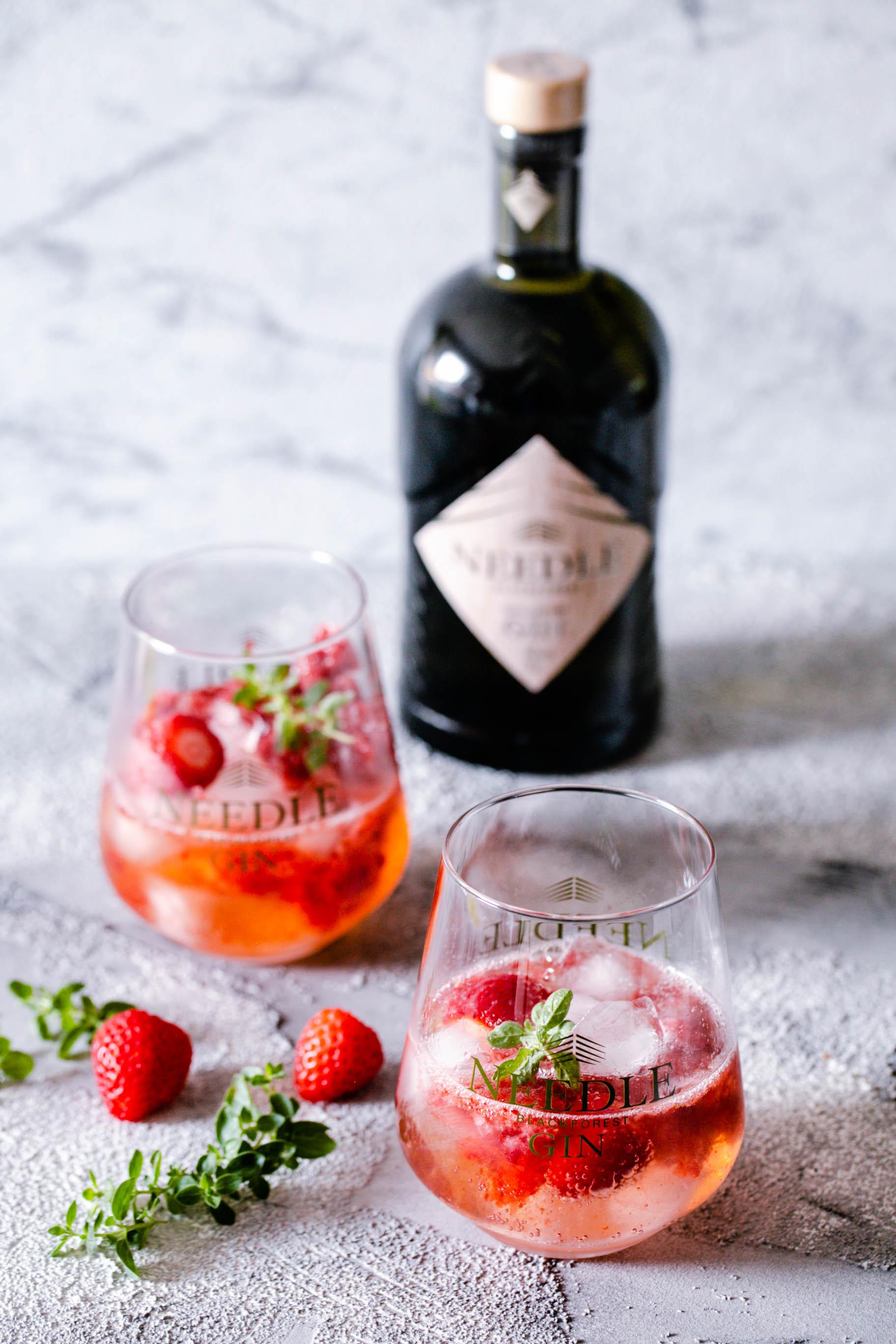 ErdbeerGin Tonic mit Needle Gin - Cocktails mit Gin