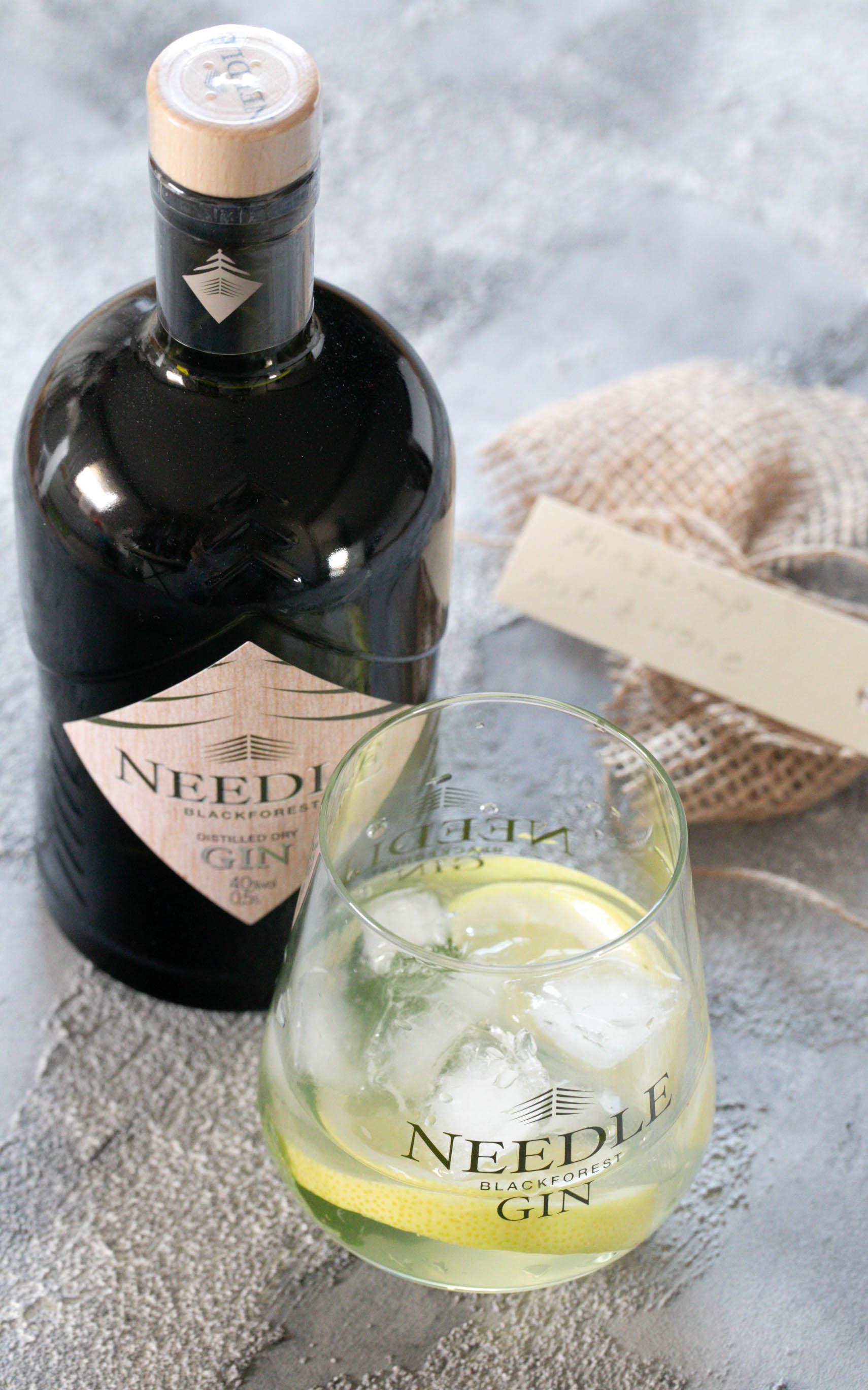 Minz Zitronen Gin mit Needle Gin - Cocktails mit Gin
