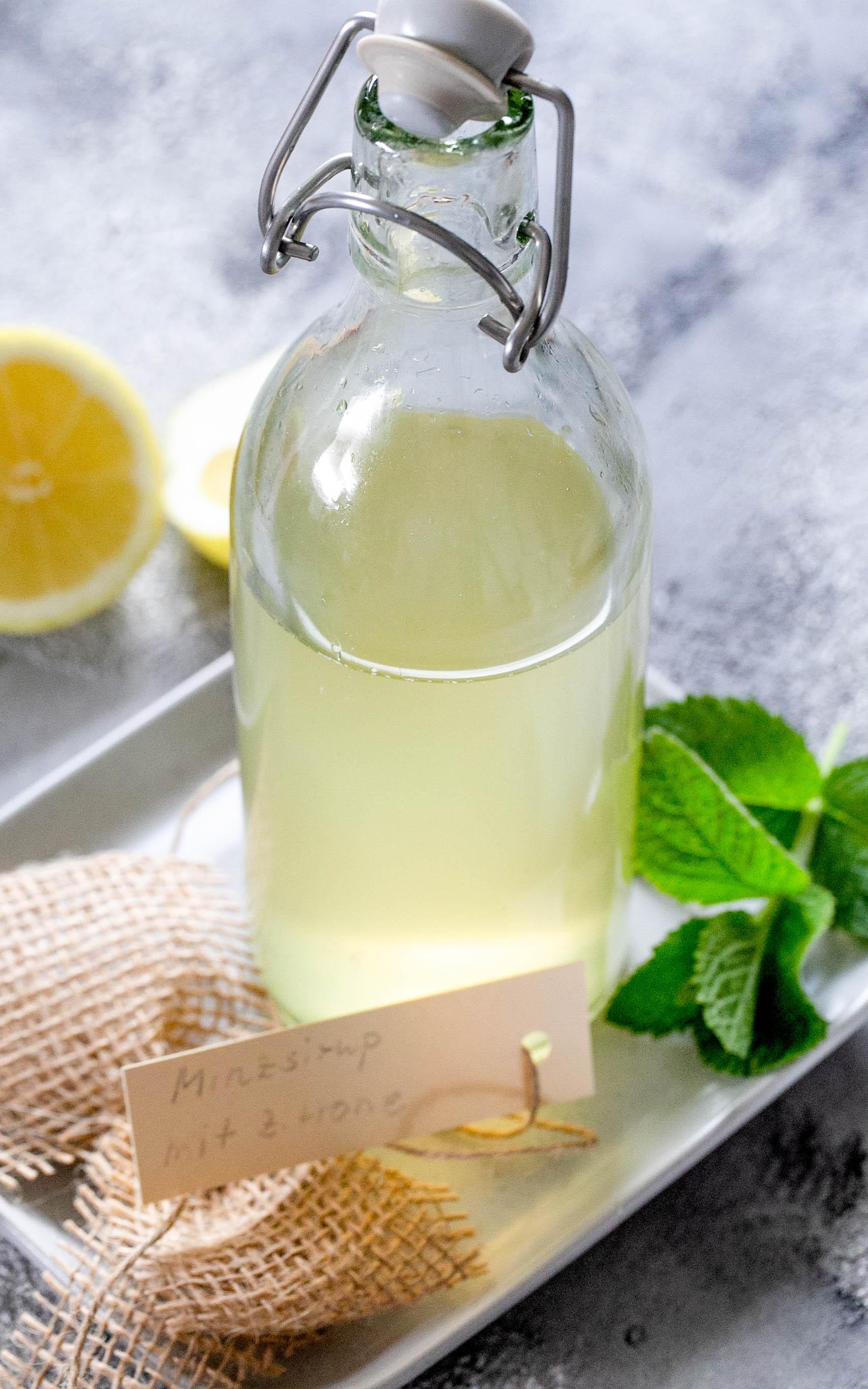 Minzsirup mit Zitrone aus dem Thermomix®