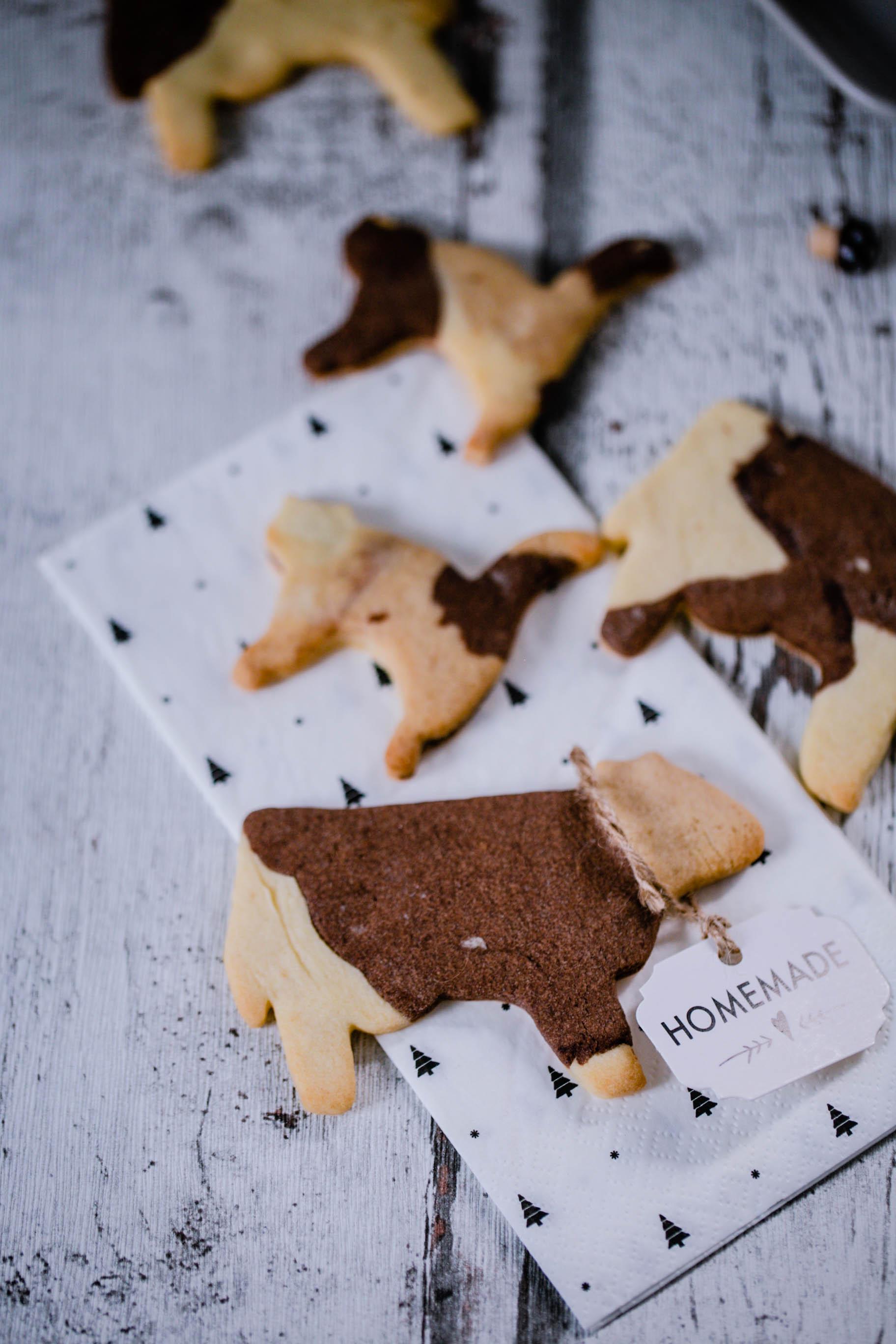 Butterzarte Kuh-Kekse aus mehrfarbigem Mürbeteig aus dem Thermomix®