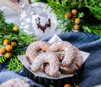 Nougat-Kipferl mit gemahlenen Nüssen aus dem Thermomix®