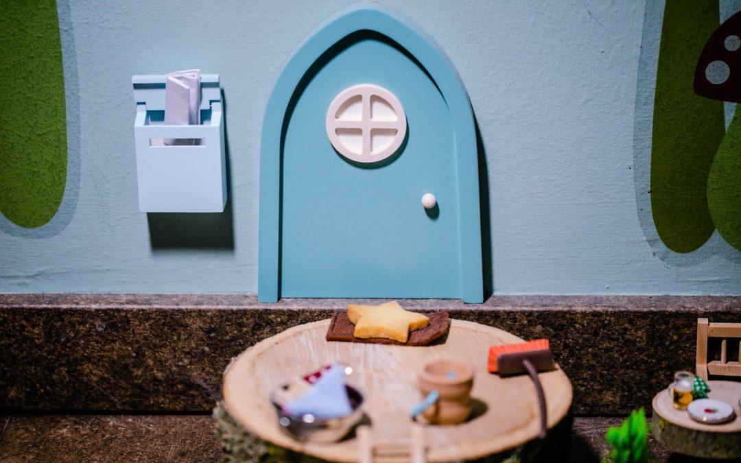 Die Wichteltür mit Briefkasten