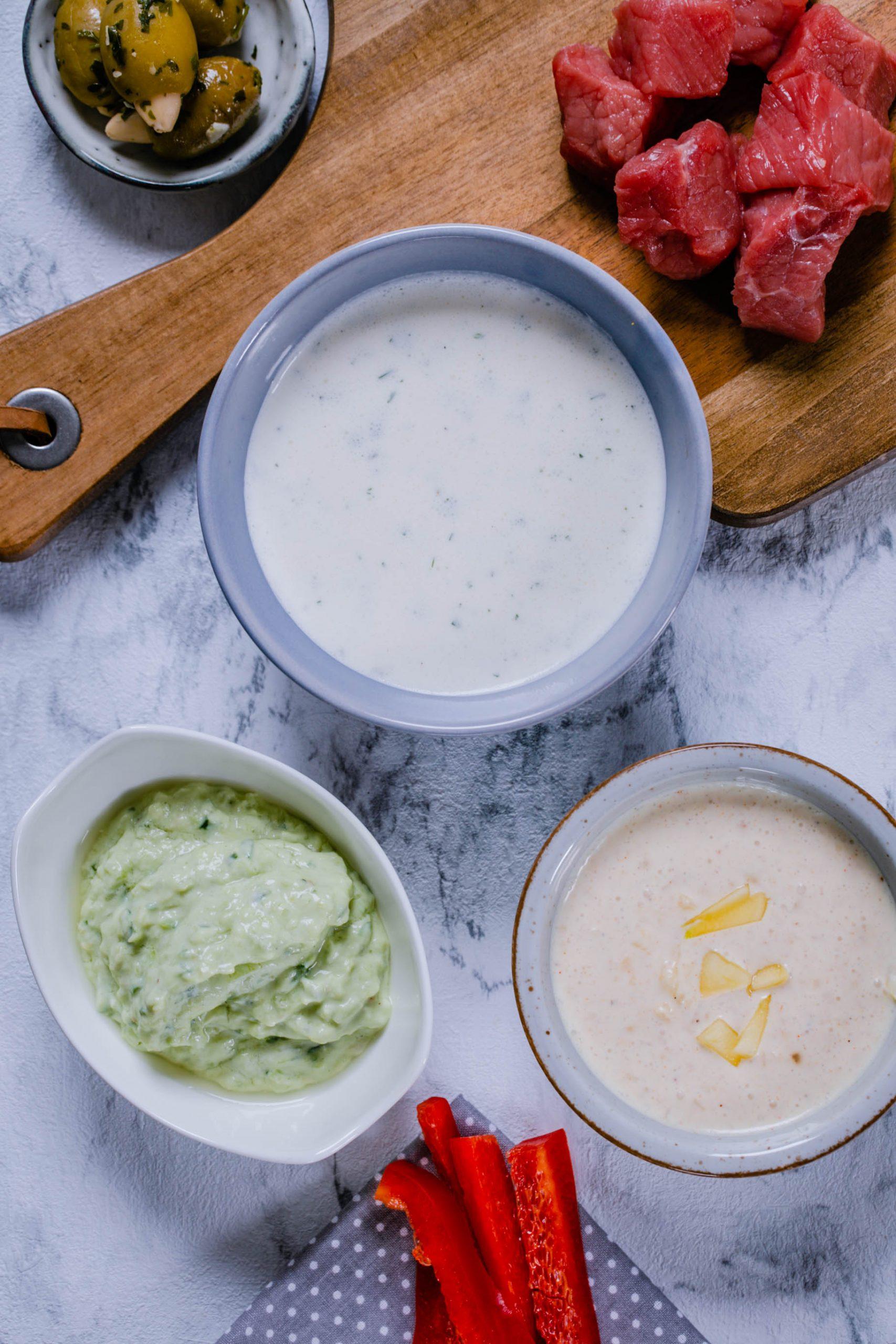 Sour Cream, Avocado-Tzatziki und Mango-Mayonaise – 3 leckere Saucen für Fondue und Raclette aus dem Thermomix®