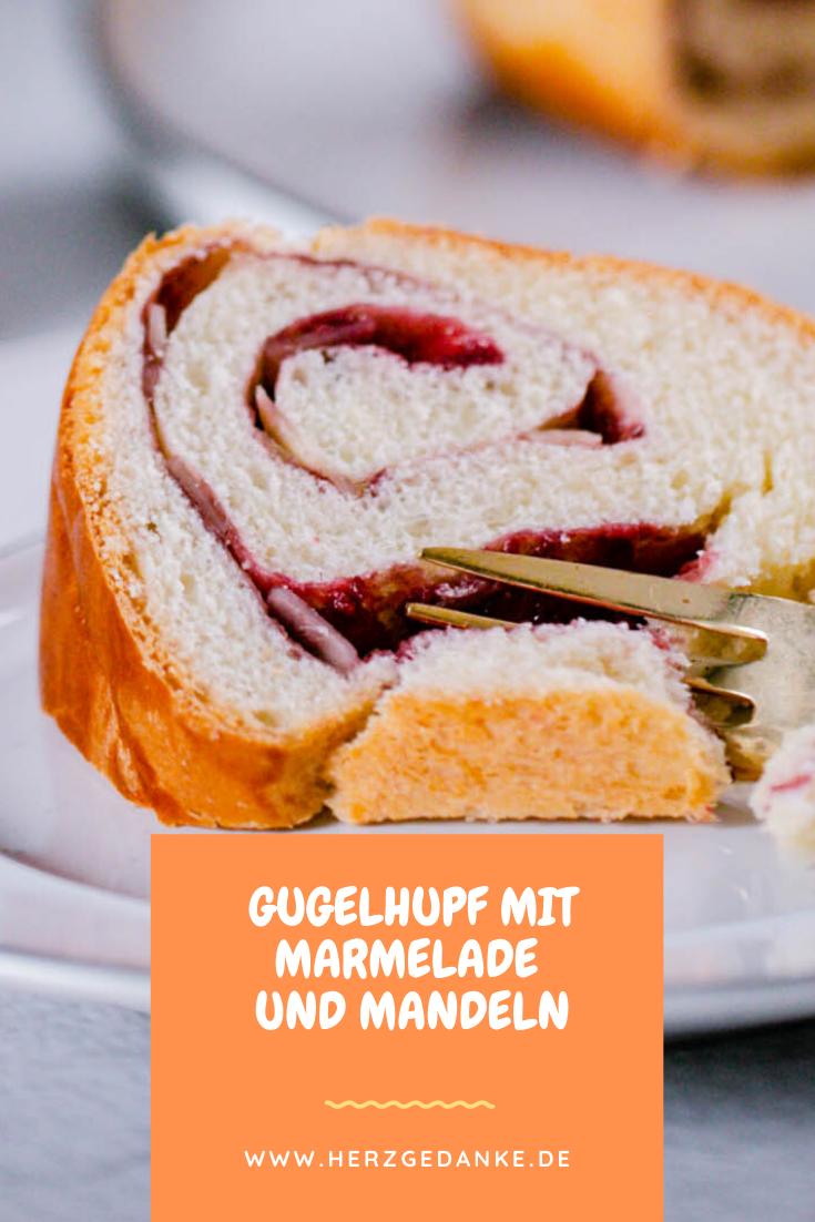 Marmeladenfüllung und Mandeln aus dem Thermomix®