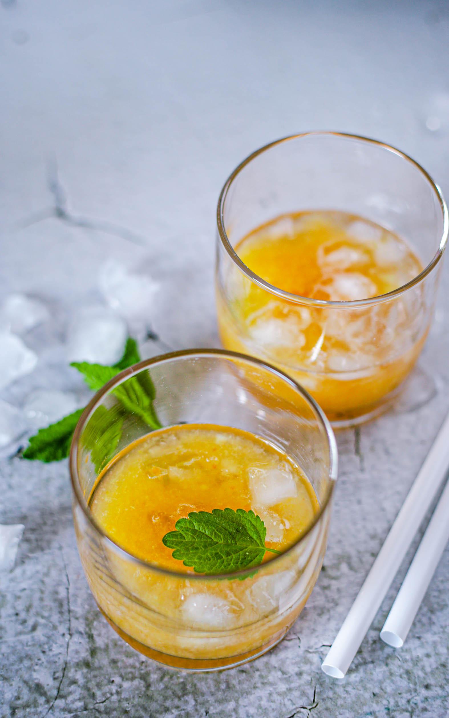 Fruchtiger Limes mit Südfrüchten und Vodka