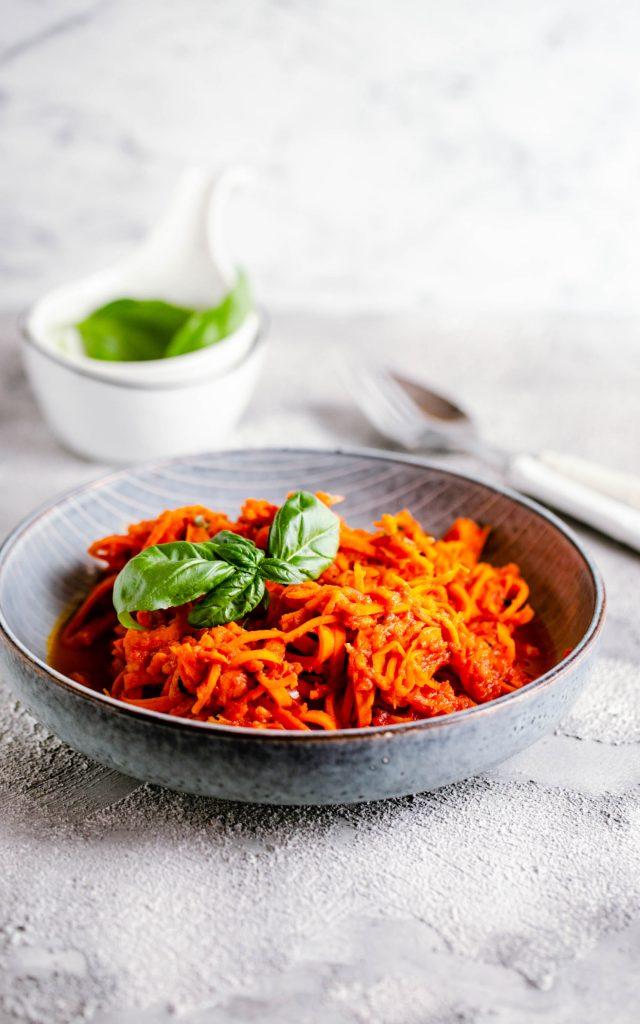 Möhrenspaghetti mit Tomatensauce aus dem Thermomix®