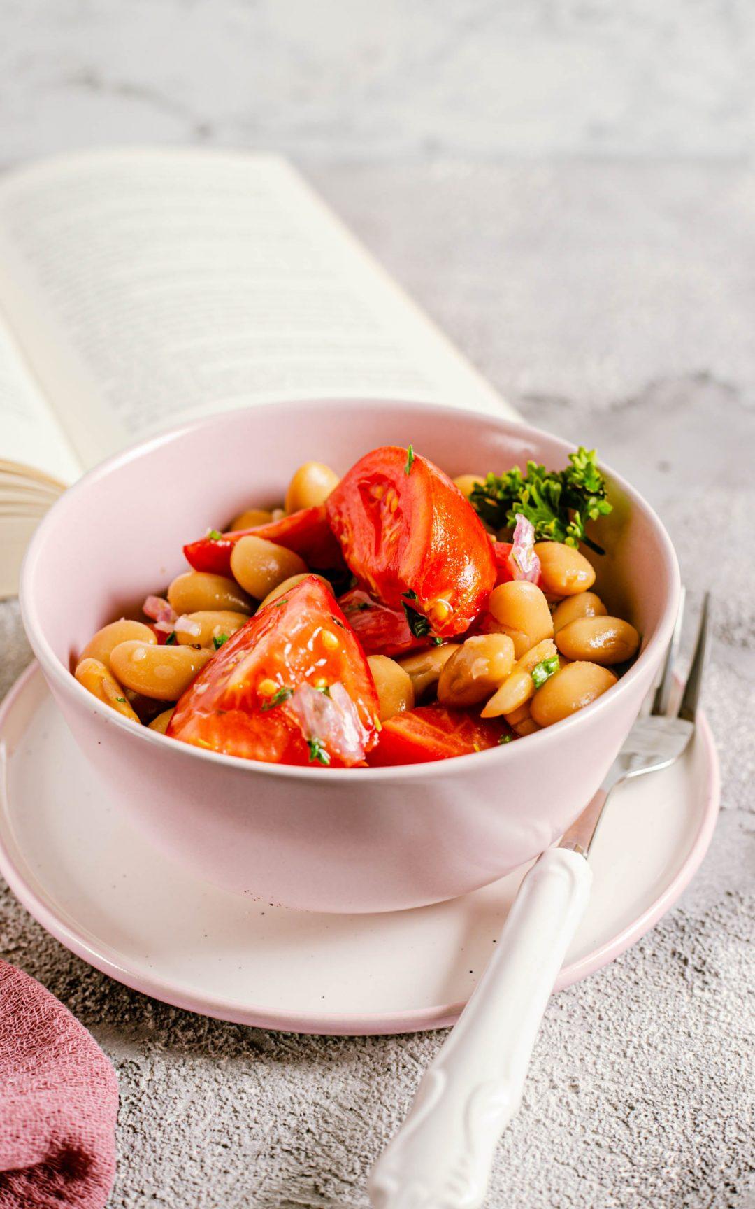 Tomatensalat mit dicken Bohnen